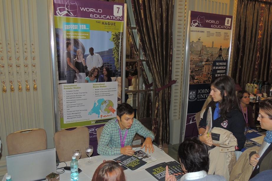 Admitere la studii gratuite la târgul World Education din Bucureşti